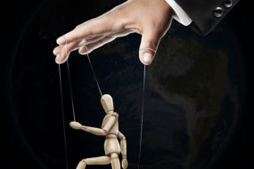 6 Subtle Signs You're Being Manipulated and How To Stop It